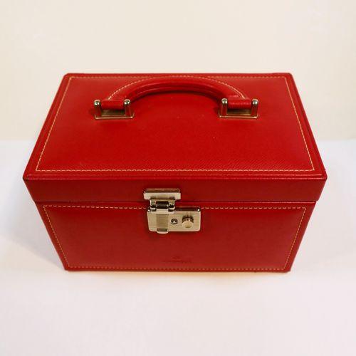 Windrose.  Coffret à bijoux de voyage en cuir rouge.  On joint un Porte CD LC Pa…