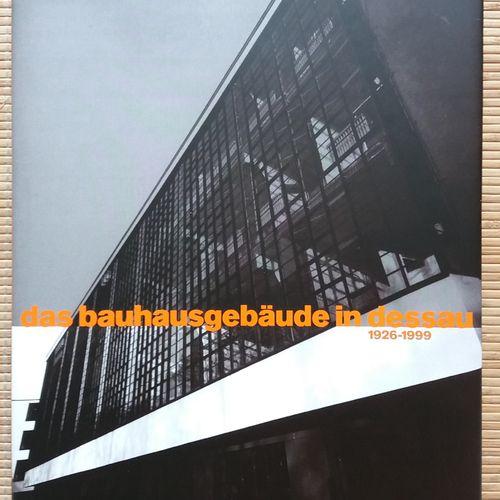 [ARCHITECTURE EN ALLEMAGNE] Ensemble de 21 ouvrages, en allemand. *Architectur B…