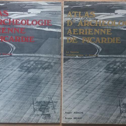 [ARCHÉOLOGIE ARCHÉOLOGIE AÉRIENNE] 2 grands ouvrages, in plano. *Atlas d'Archéol…