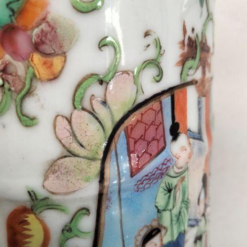 Important vase en porcelaine polychrome, Chine, Canton, XIXe siècle A décor de s…