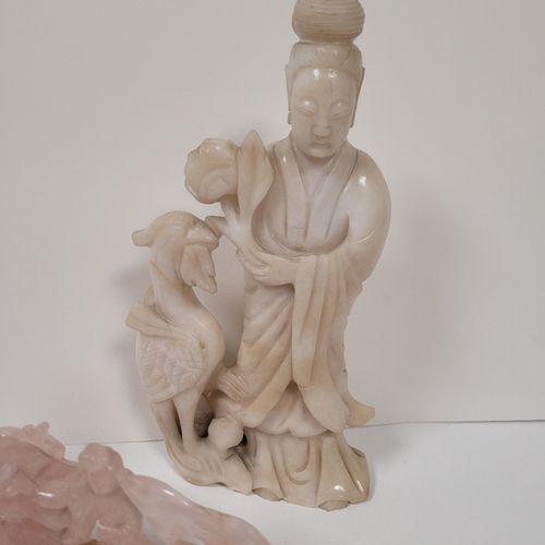 Ensemble de quatre statuettes en pierre dure, Chine, XXe siècle Comprenant : 1 G…