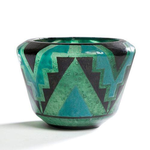 MARCEL GOUPY (1886 1954) Chevrons à gradins, circa 1927/29 Vase cornet à bord re…