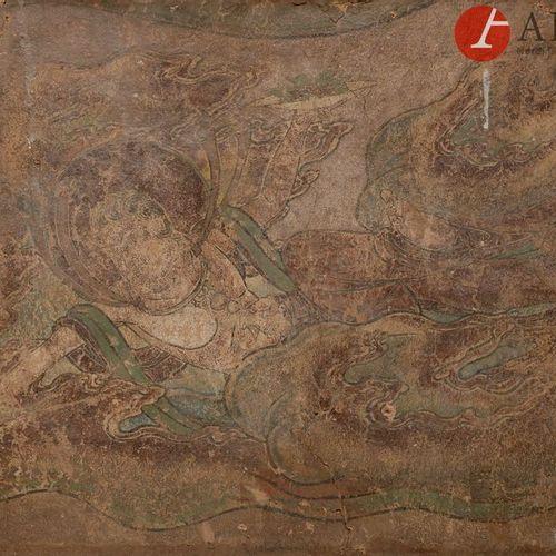 CHINE Époque MING (1368 1644) Fragment de peinture murale sur stuc, Apsara volan…