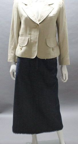 Sonia RYKIEL  Lot composed of a short jacket in beige linen and cotton, notched …