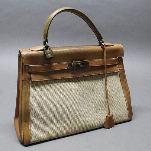 """HERMES Paris  32cm """"Upside Down Kelly"""" bag in beige heathered H canvas and beige…"""