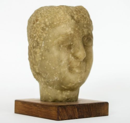 """OUD ROMEINSE RIJK 2° tot 4° EEUW sculptuur in albast : """"Gezicht van een godin"""" h…"""