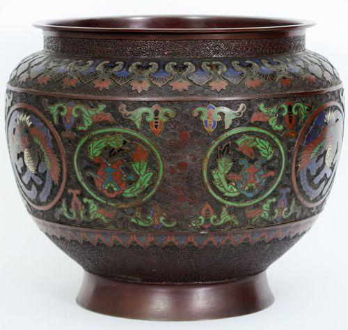 Antieke Chinese jardinière in brons versierd met cloisonné hoogte en diameter : …