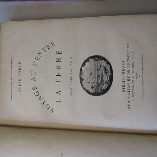 2 Jules Verne volumes in Hetzel Editions in good condition : VERNE : Voyage au c…