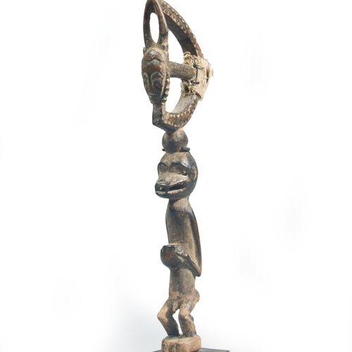 MARTEAU À MUSIQUE  Baoulé, Côte d'Ivoire XXe siècle  Figurant un singe porteur d…