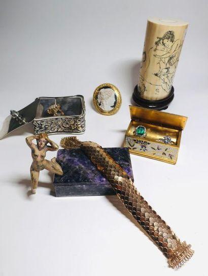 Boîtes à timbres, bijoux, diamants sur papier, orfèvrerie, erotica