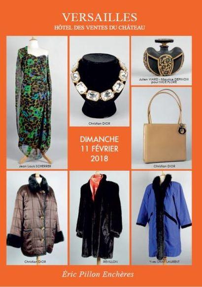 Vintage - Bijoux fantaisie - Accessoires de mode - Fourrures - Maroquinerie Carrés et cravates Hermès - Vêtements griffés