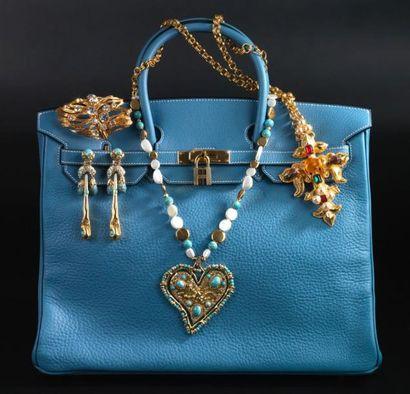 Les bijoux dans le sac!