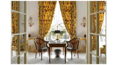 Hôtel Le Bristol & Design par Starck & Mode et Vintage & Parfums
