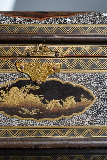 Mobilier et objets d'Art, Art d'Asie, provenant de la Comtesse de X (cinquième vente)