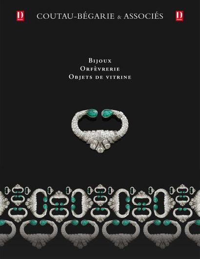 Bijoux - Orfèvrerie - Objets de vitrine