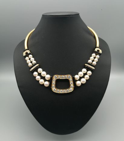 Jewellery, Silverware, Archaeology, Prints, Drawings, Ancient and modern paintings, Opal, Furniture and Works of Art