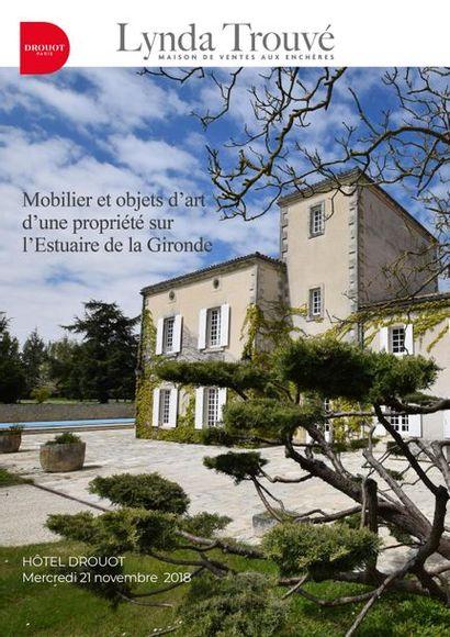 Mobilier d'une propriété sur l'estuaire de la Gironde