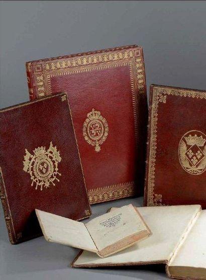 Etoffes anciennes - Photographies - Livres
