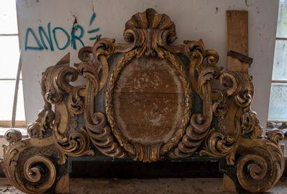 Une demeure oubliée-vente aux enchères à Semur en Auxois