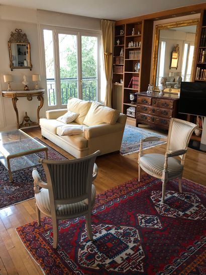 For sale by Apartment : Paintings, furniture and objets d'art
