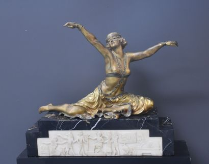 Antiquités, tableaux, mobilier et objets d'art, art nouveau, art déco.