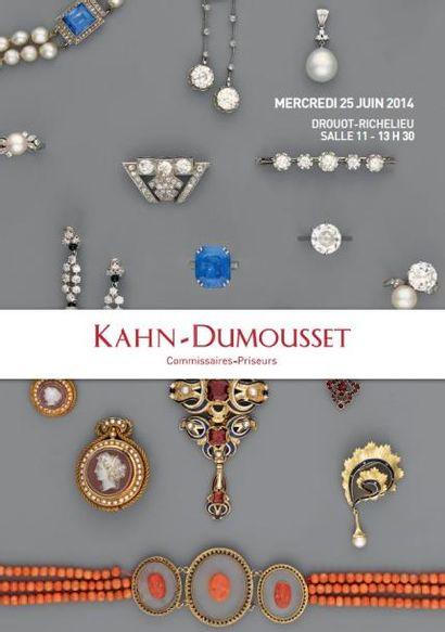 Numismatique Bijoux Instruments scientifiques et objets de vitrine