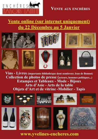 Vente online : Vins - Livres - Collection de photographies de presse -  Estampes et Tableau - Mode et bijoux-  Arts de la table - Objets d'Art et de vitrine - Mobilier - Tapis