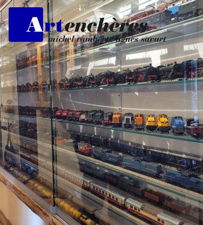 Trains électriques : Collection Alain Veyret et à divers amateurs