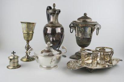Parfums, Numismatique, Bijoux et montres, Arts de la table, Argenterie.