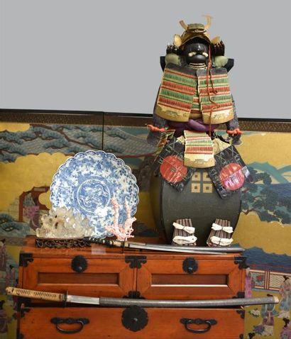 Arts de l'Asie - Bijoux - Argenterie - Estampes - Tableaux modernes & Anciens - Objets d'art - Verrerie - Meuble