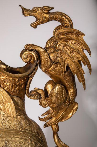 VENTE ONLINE : suite cabinet de curiosité d'un amateur d'art, beau mobilier, design, objets d'art, bijoux, tableaux, argenterie, art d'afrique,