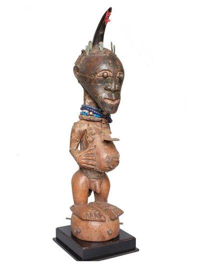 COLLECTIONS : INDIENS D'AMÉRIQUE, ARTS AFRICAINS, CÉRAMIQUES, POUPÉES – TABLEAUX – 1900-1930