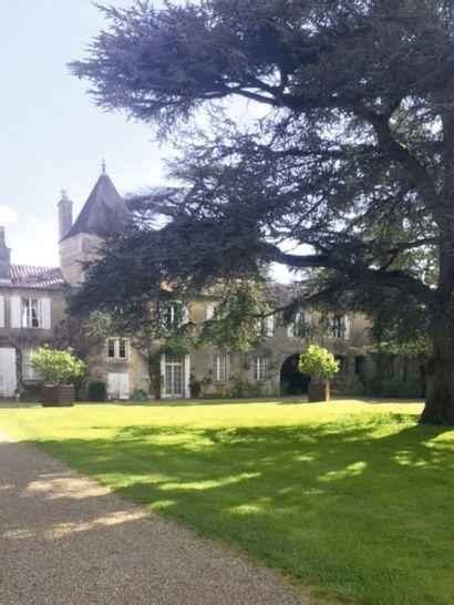 Vente sur place : Mobilier d'une propriété du Poitou