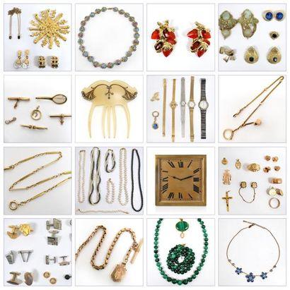 Bijoux, Mode, Argenterie, Objets de vitrines et de curiosité, Art d'Asie....