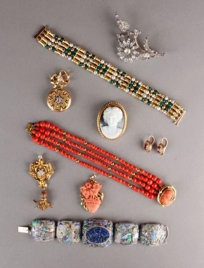monnaies, médailles, billets de banque, argenterie et métal argenté, bijoux et bijoux fantaisie, montres