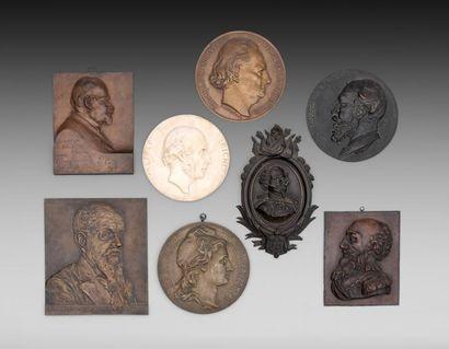 Collection de 120 médaillons en galvanoplastie & Médailles, Argenterie & Bijoux ...