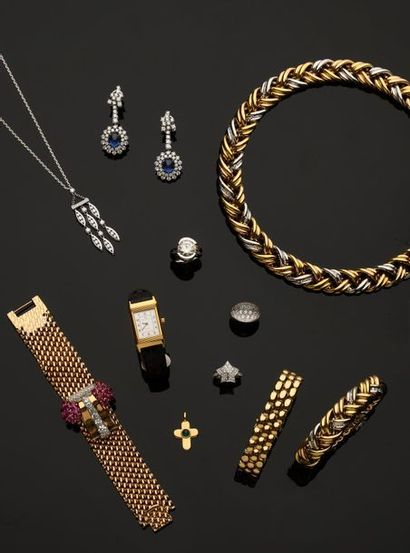 ANTIQUE JEWELLERY _ SHOWCASE OBJECTS _ SILVERWARE _ WATCHES _ FASHION ACCESSORIES
