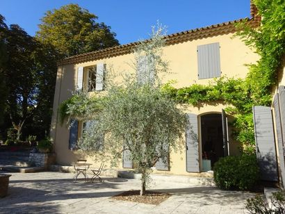 WHOLE CONTENT OF A BASTIDE SITUATED IN AIX-EN-PROVENCE