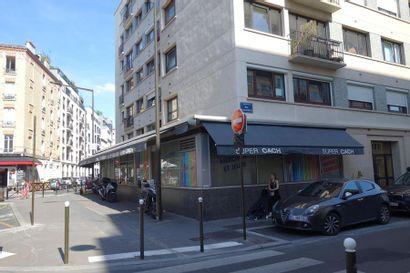 PARTS DE  SOCIETES: SARL PARIS DISTRIB  VENTE SUSPENDUE
