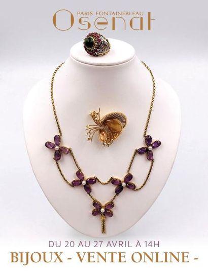 Bijoux de charmes, montres et lots d'or