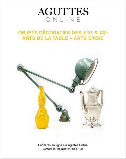 ONLINE ONLY : OBJETS DÉCORATIFS DES XIXe & XXe - ARTS DE LA TABLE - ARTS D'ASIE