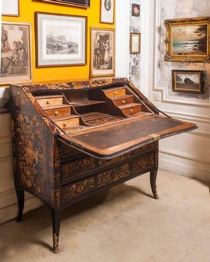 Collection d'un voyageur-amateur d'art, tableaux, objets d'art, Art Asmat et divers