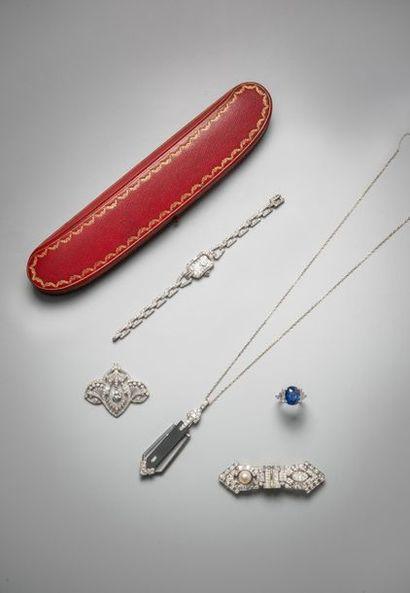 Belle vente de bijoux et orfèvrerie.