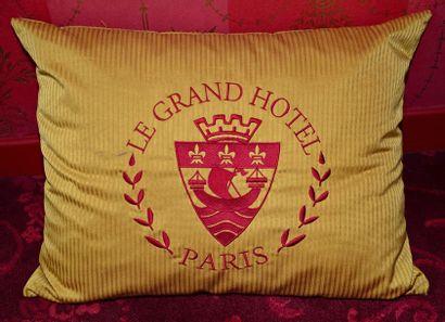 Mobilier provenant du Grand Hôtel Intercontinental Paris - Vente 26 & 27 septembre