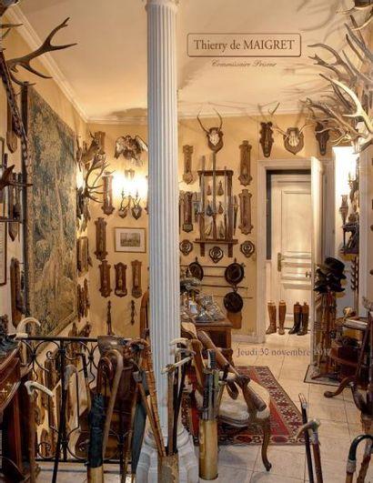 Deux collections : Un intérieur parisien de la rive gauche - Ancienne collection du Prince Samad Khan Momtaz provenant de sa collection parisienne
