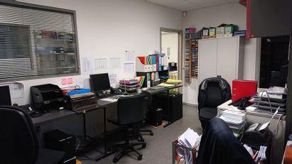LJ FREQUENCES LANGUES - Informatique - audio TOMATIS et mobilier de bureau
