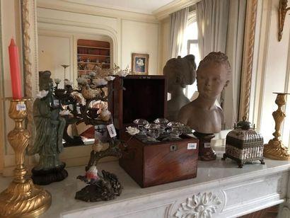 Entiers appartements du 15e et 16e (Paris), et d'une maison de campagne : livres, gravures, tableaux, sculptures, objets de vitrine et d'ameublement, bon mobilier du XIXème siècle et de style, tapis