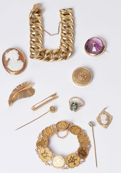 Bijoux - objets de vitrine - vintage