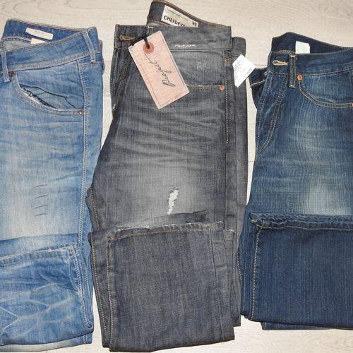 113 3 CHEFDEVILLE H&M Lot de 3 Jeans différents tailles Américaine 1 taille 29 +…