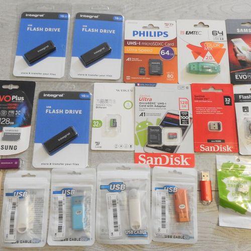 6 SAMSUNG SANDISK PHILIPS Lot de 20 Cartes microSD et Clés USB 3x microSD 128Go,…